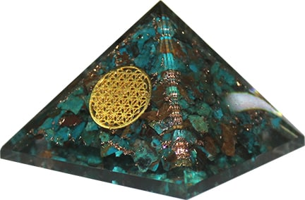 Orgone Piramide Groot – Chrysokolla Flower of Life