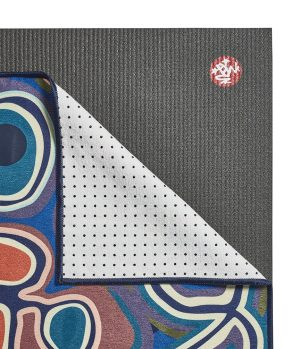 Manduka Yogitoes Skidless Yoga Handdoek – Abstract Landscape